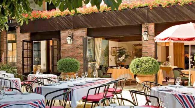Le restaurant de l'Hôtellerie du Bas-Bréau à Barbizon