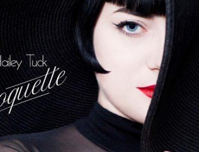 Hailey Tuck et son EP Coquette