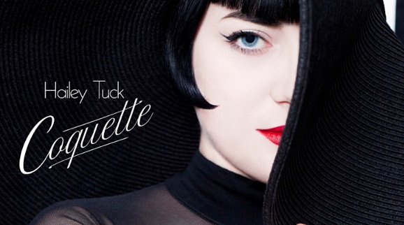 Hailey Tuck et son EP Coquette