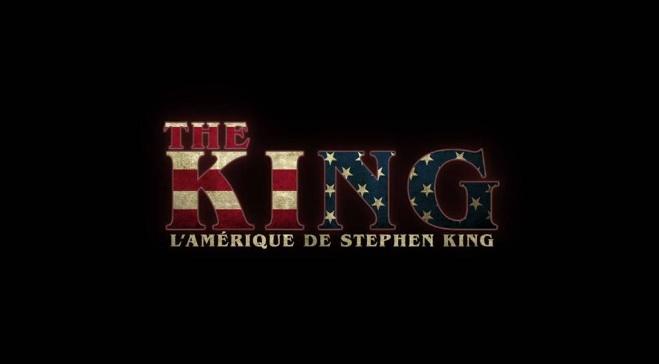 Le documentaire The King : L'Amérique de Stephen King (2019) écrit par Guillaume Lebeau et réalisé par Cédric Davelut