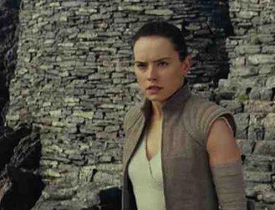 Star Wars : Les Derniers Jedi écrit et réalisé par Rian Johnson