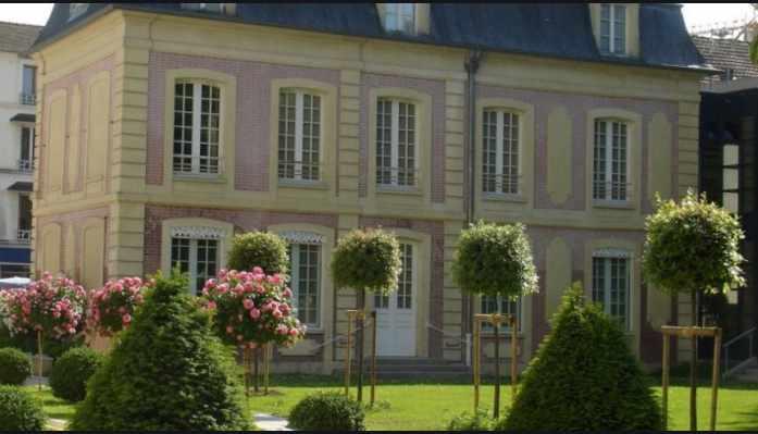 Visite virtuelle des collections permanentes du musée d'Art et d'Histoire Louis-Senlecq de L'Isle-Adam