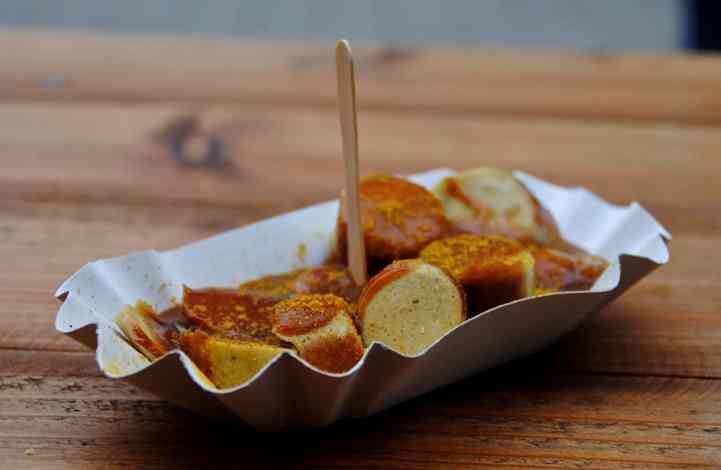 La currywurst (Street Food Allemande –  version vegan inside)